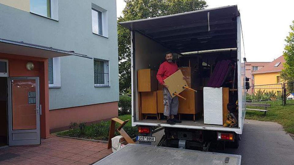 , Moving households