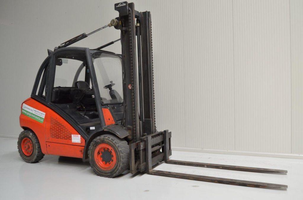 Oranžový vysokozvižný vozík H 50 D